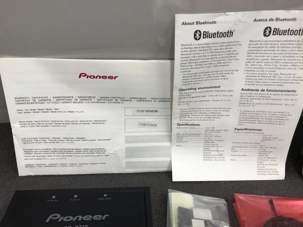 Pioneer New Unused Old Stock Boxed Cd-Bt10 Bluetooth Handsfree Interface Adaptor