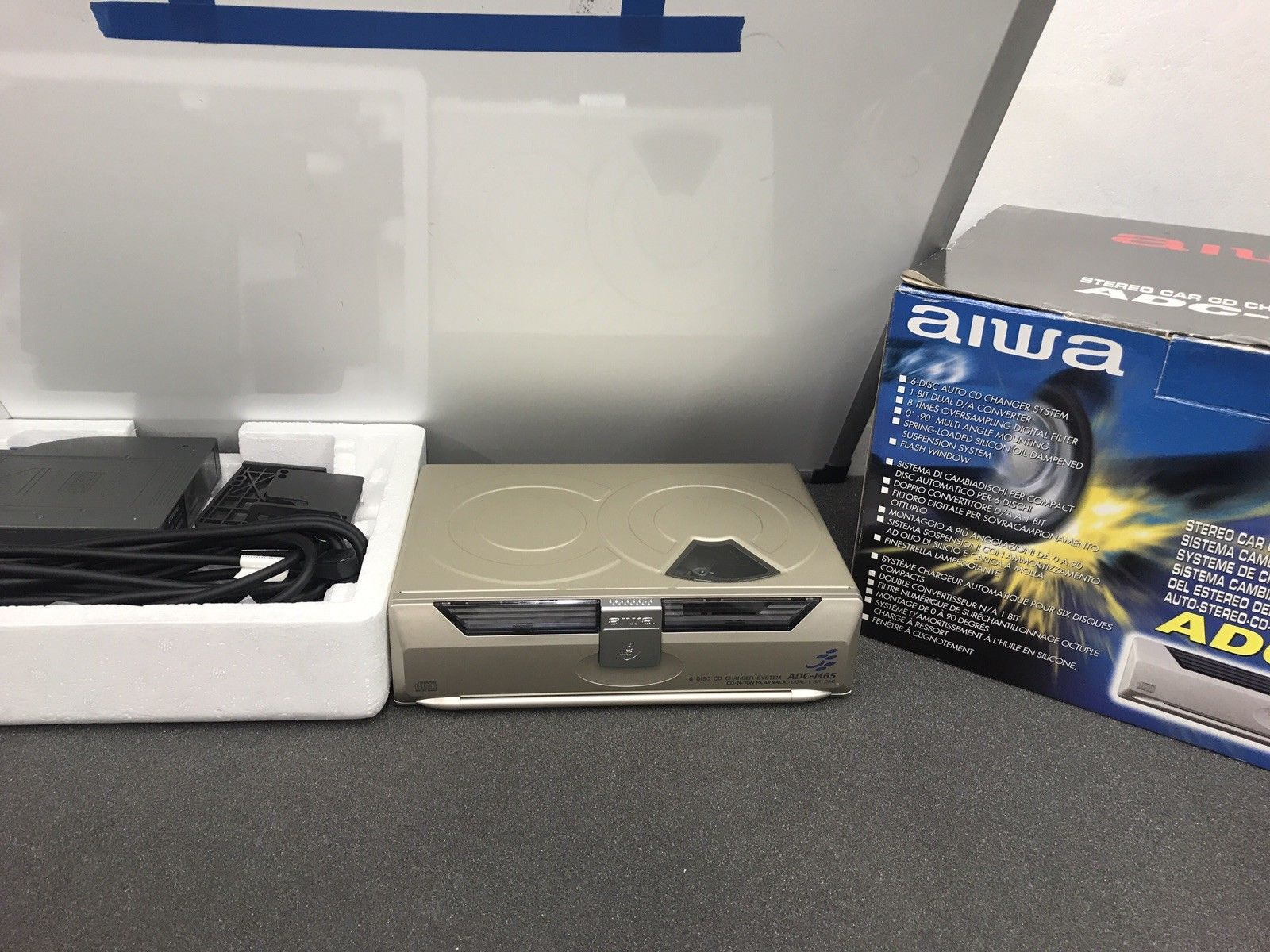 Aiwa Adc-M65 Car Radio Stereo 6 Disc Plug In Cd Changer Boxed And Complete