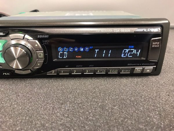 Alpine Car Radio Stereo Cd Mp3 Player Model Cda-9830r Retro 00's Vintage Retro
