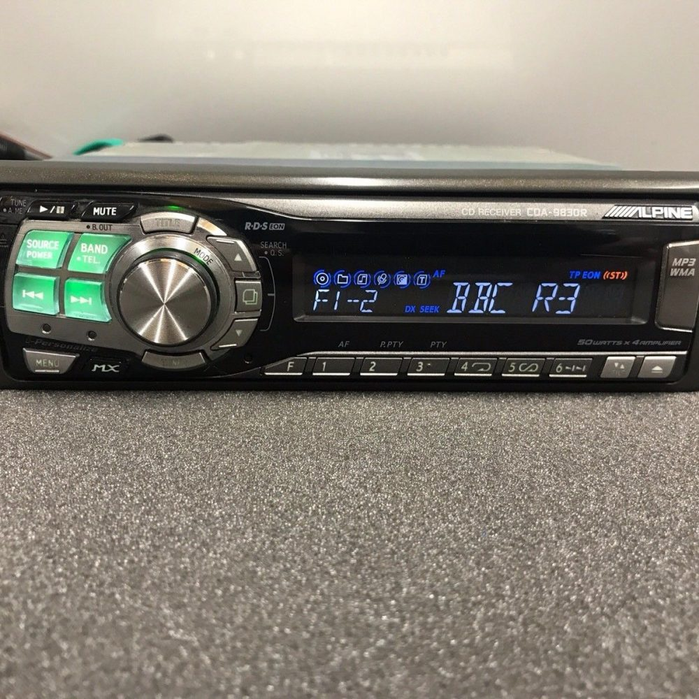 Alpine Car Radio Stereo Cd Mp3 Player Model Cda-9830r Retro 00's Vintage Retro